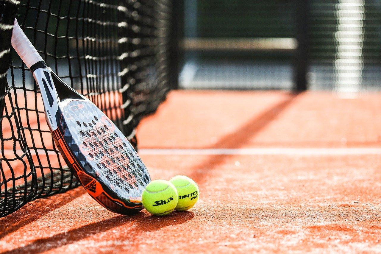 racket-6308994_1280