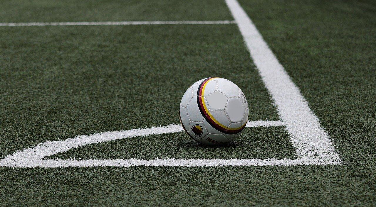 soccer-3471402_1280